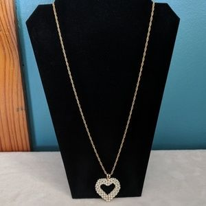 ♦️BOGO 50%Off♦️ Necklace w/pearls ❤️ shaped